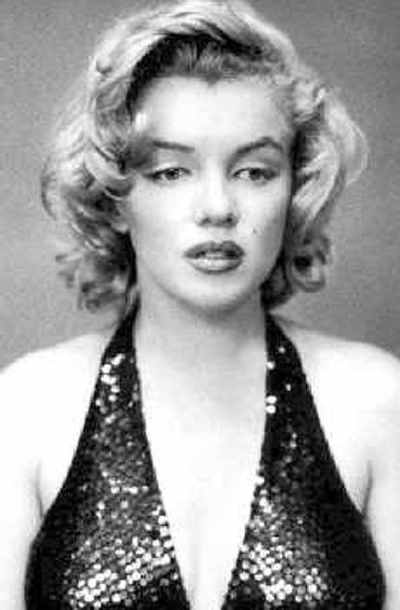 Marilyn Monroe Living Room Decor: The Story Of Marilyn Monroe Film Will Created