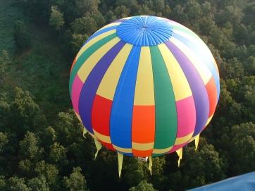 Imagini pentru imagini cu baloane zburatoare