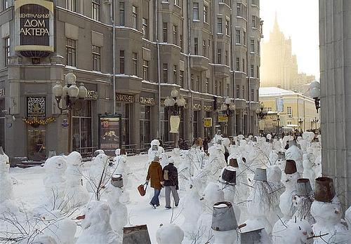 army-of-snowmen