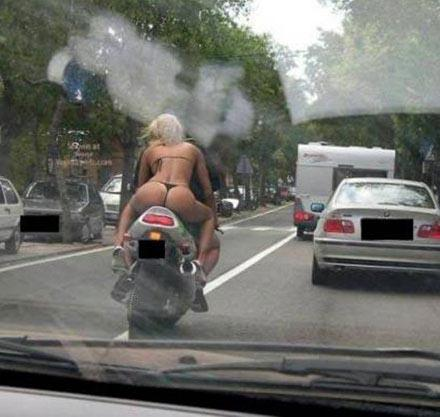 tangamotorradfahrerin
