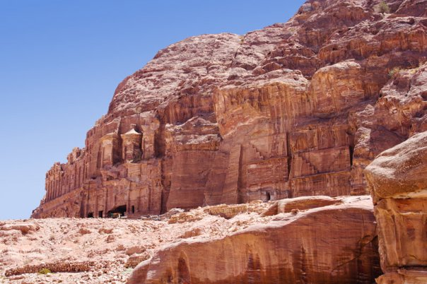 800px-Petra_Tombs_of_Kings
